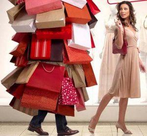 Mujer con compras compulsivas