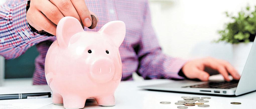 Ahorros vs pago de deudas de tarjetas